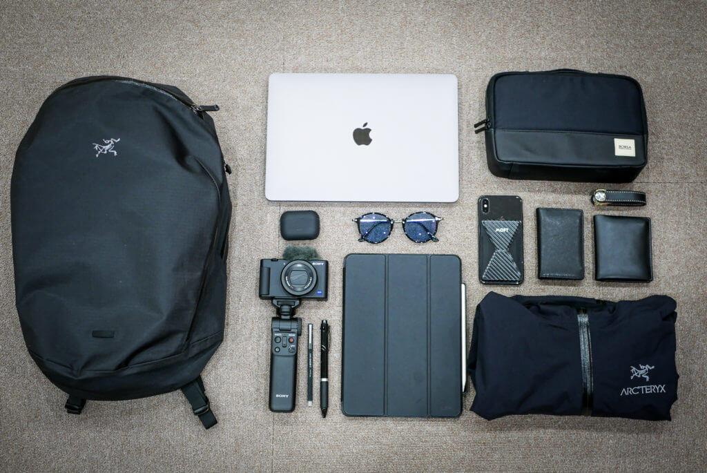 Arc'teryx Granville Zip 16 とMacBook Pro 13インチ